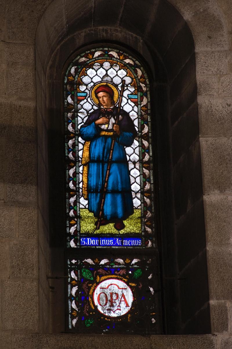 Buntglasfenster mit San Davino Armeno